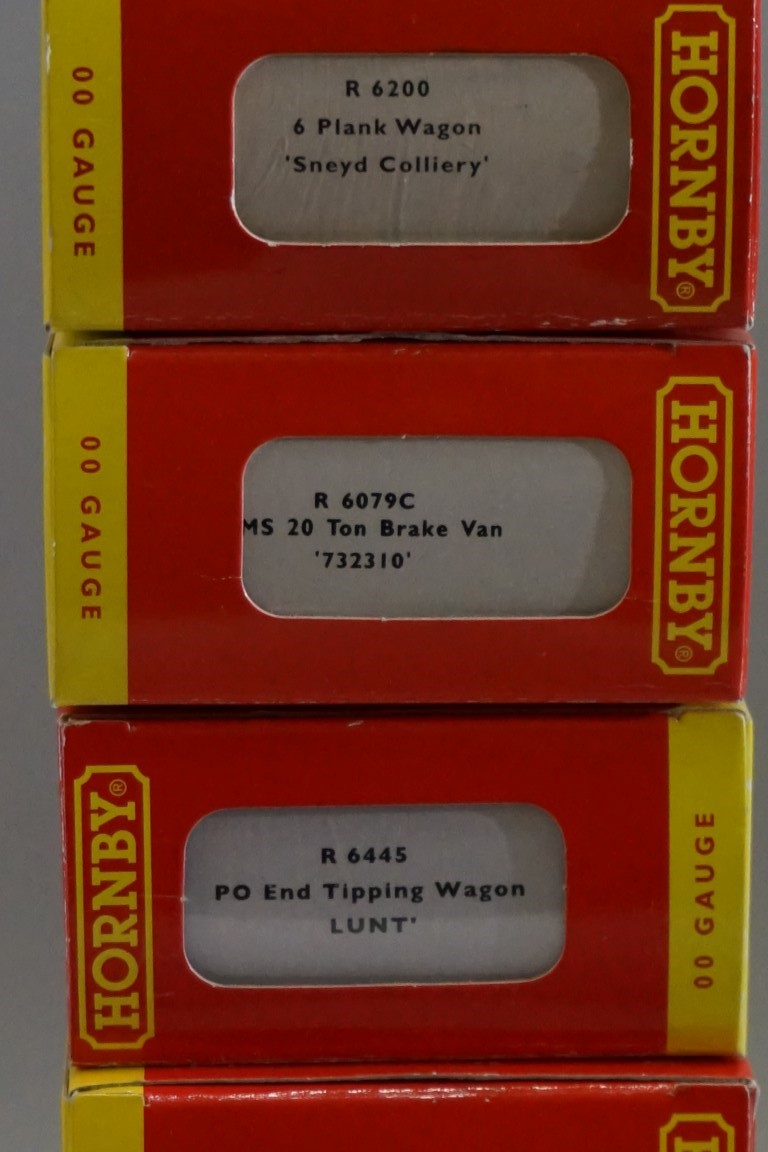 Eleven 'OO' gauge wagons, each in Hornby box. (11) - Image 10 of 12