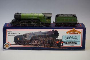 A Bachmann 31-556 'OO' gauge LNER 2-6-2 V2 Class locomotive 4771 and tender, in original box.