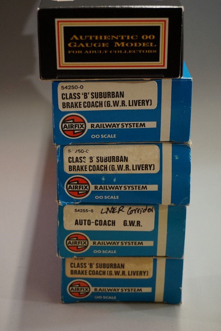 Seven 'OO' gauge LNER coaches, five boxed. (5) - Image 5 of 5