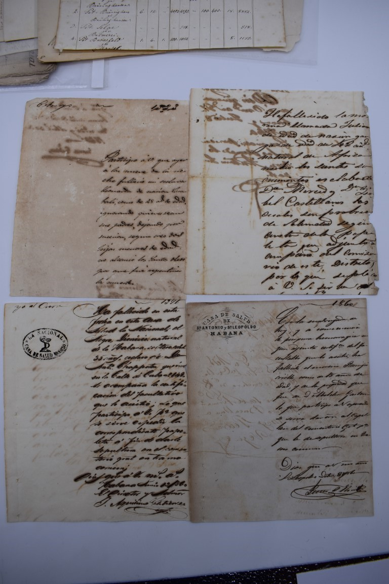 CONTINENTAL DOCUMENTS: group of 9 items, including French manuscript on vellum dated 1645: - Image 4 of 24
