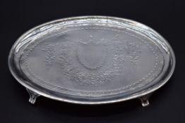 A George III silver teapot stand,probably byElizabeth Jones,London 1785, 17.5cm, 140g.