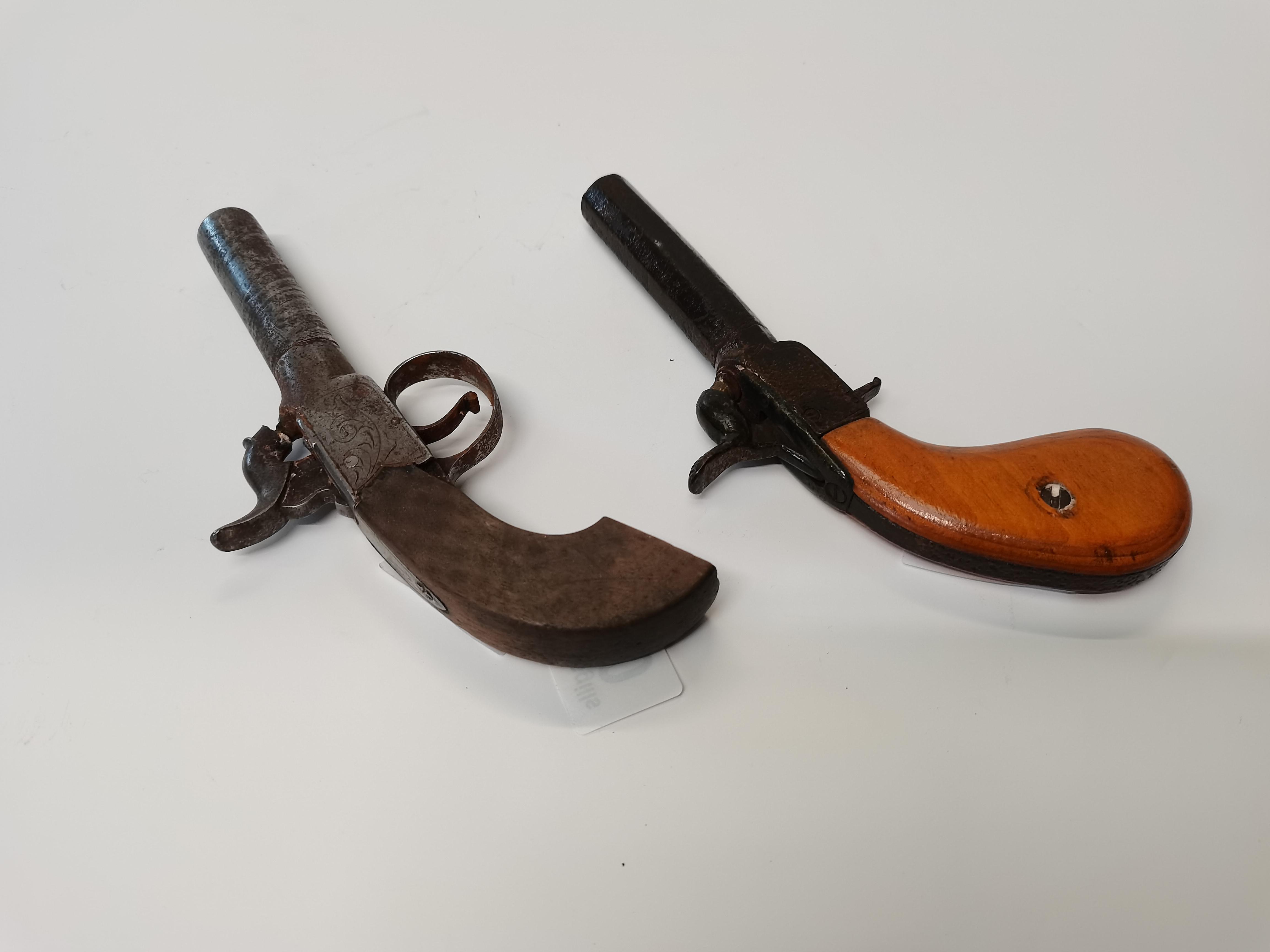 2 x small pistols - Image 2 of 2