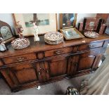 Tichmarsh and goodwin 1.7m long oak sideboard ex. Condition