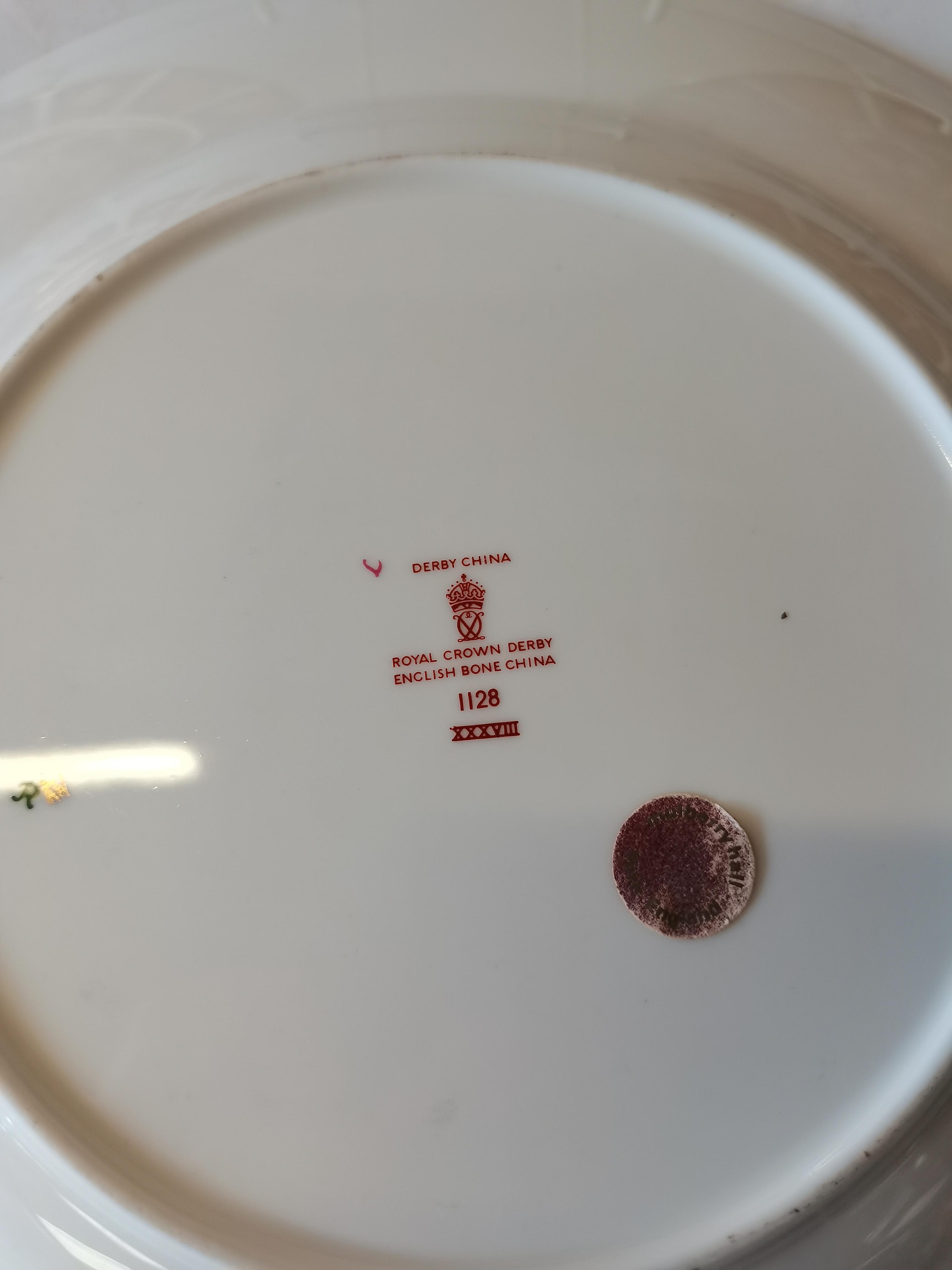 3 Royal Crown Derby Imari Pattern 1128 Dinner Plates 27cm - Image 2 of 2
