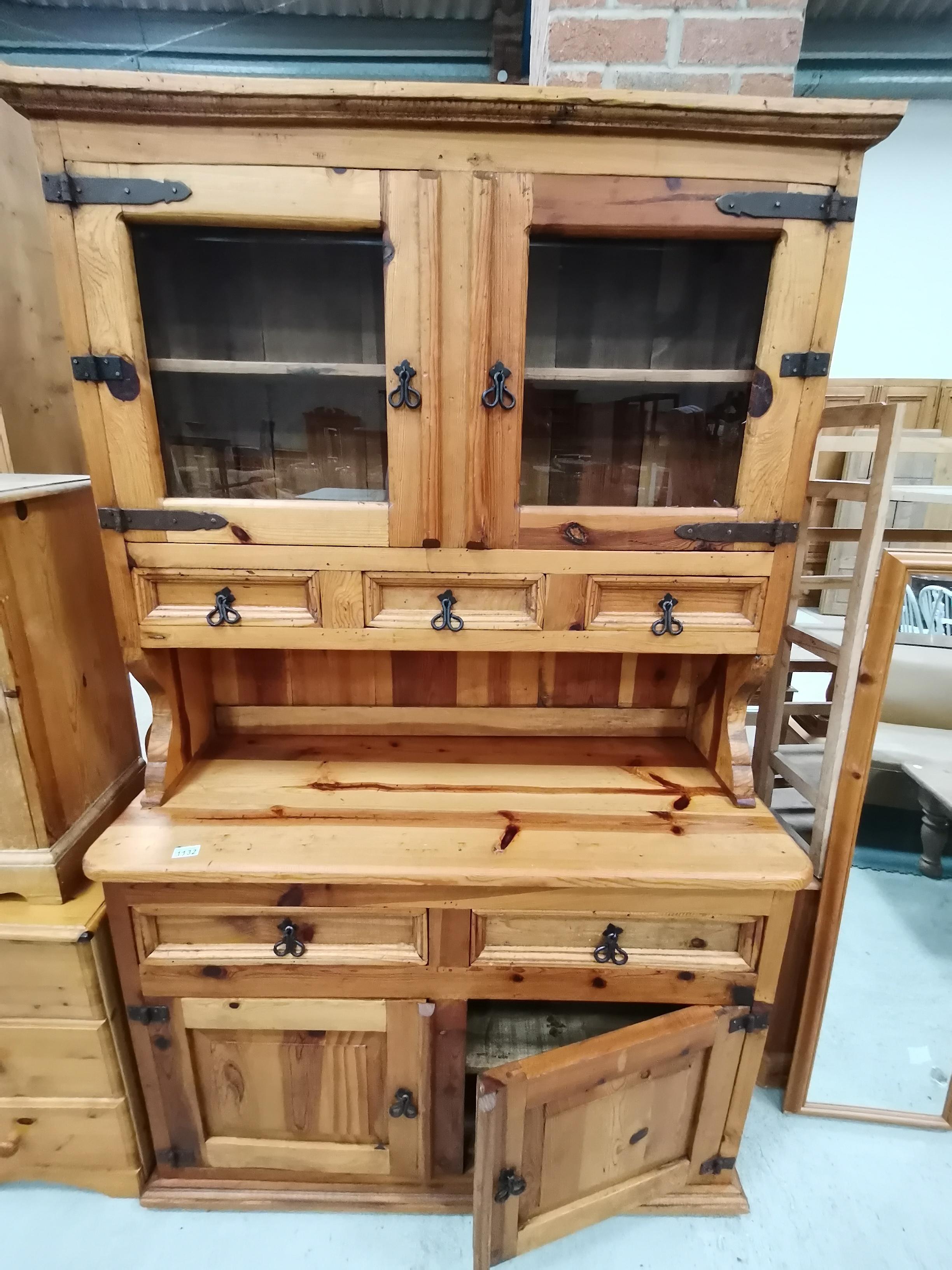 Pine dresser