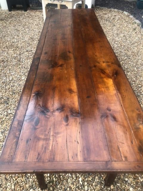 AN 18TH/19TH CENTURY FRENCH FRUITWOOD REFECTORY TABLE The four plank top above four drawers, - Image 4 of 5