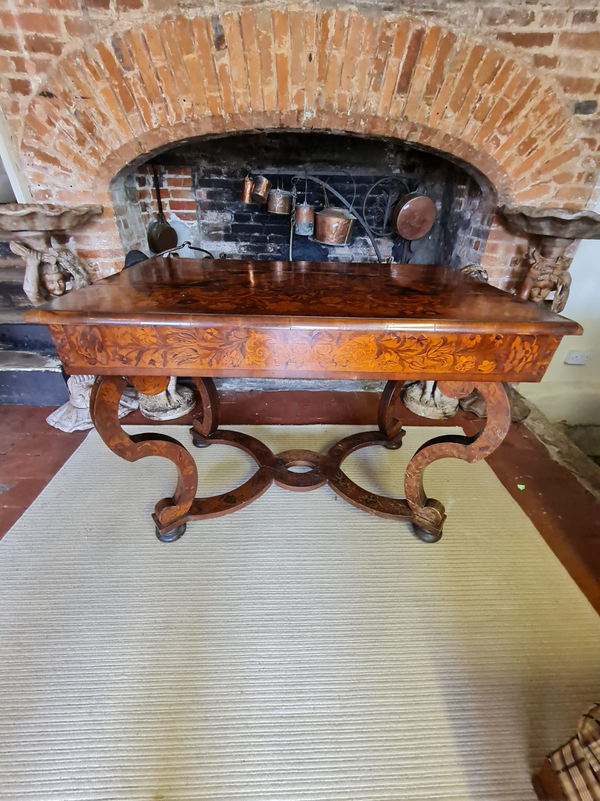 AN 18TH CENTURY DUTCH WALNUT AND FLORAL MARQUETRY INLAID SIDE/WRITING TABLE The rectangular top