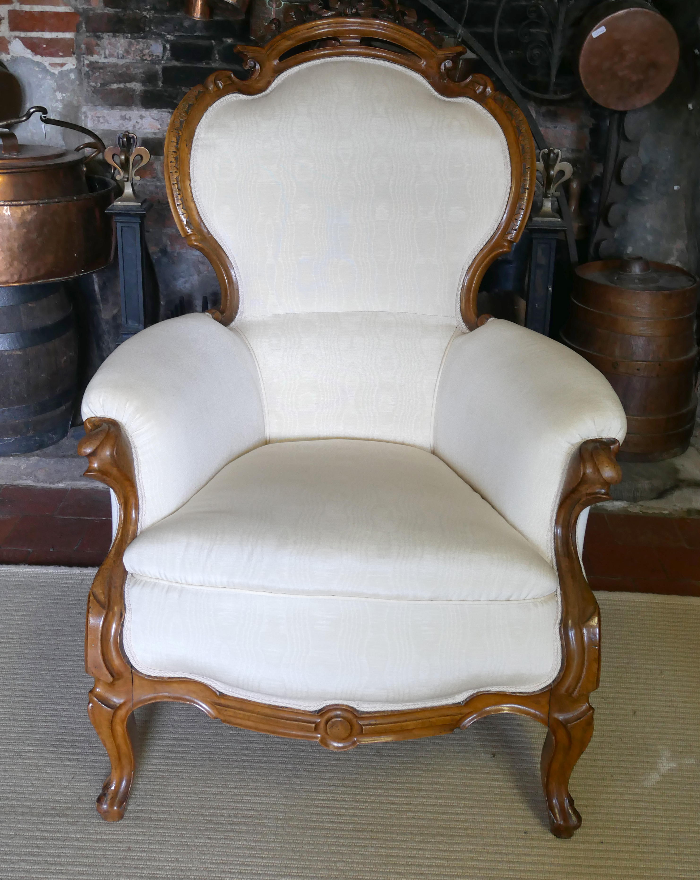 A 19TH CENTURY FRENCH ARMCHAIR Upholstered in a cream water silk, the mahogany frame with carved and - Image 3 of 3