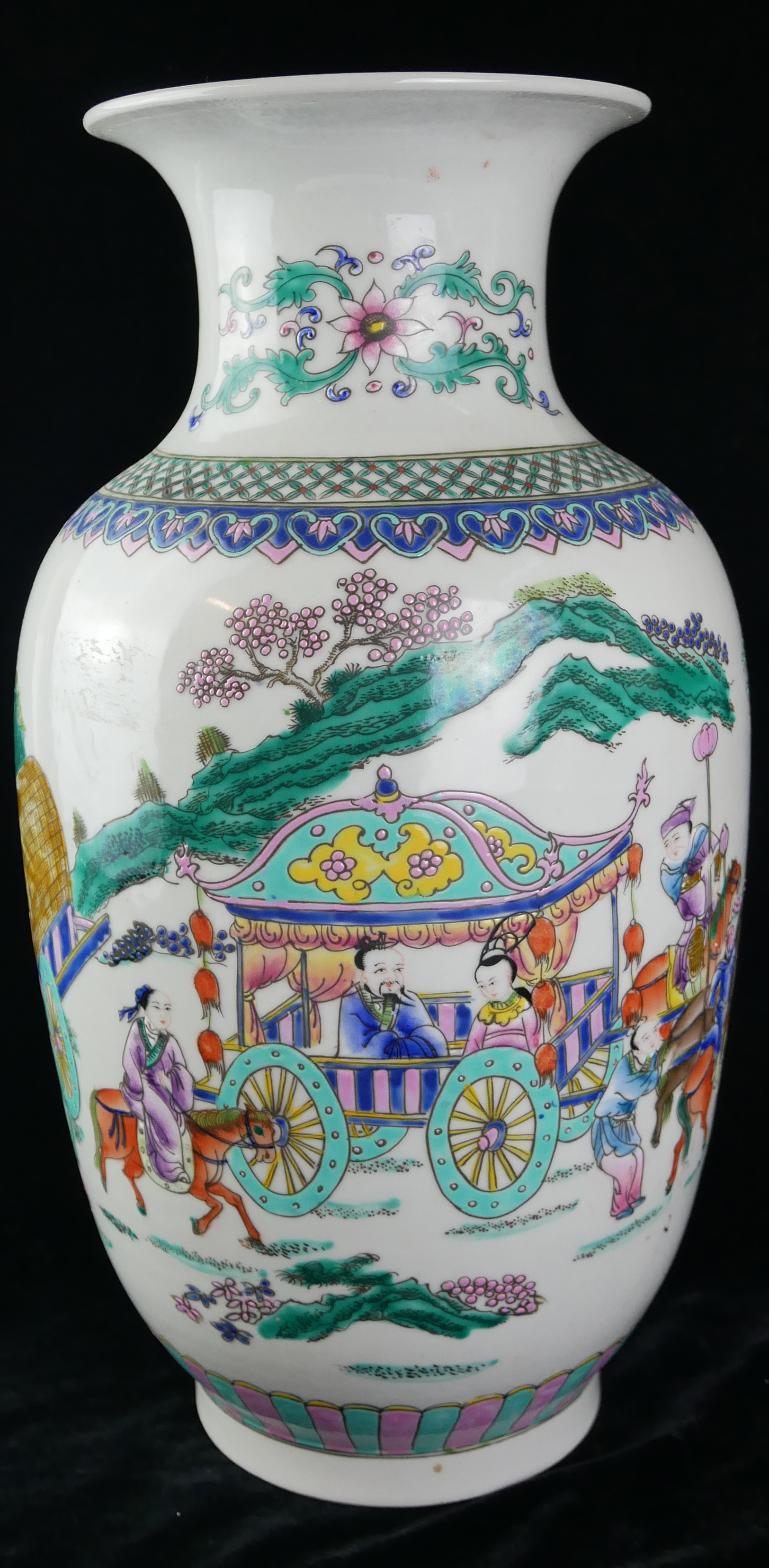 A CHINESE FAMILLE ROSE DESIGN PORCELAIN VASE Decorated with an Emperor with Royal carriage and - Image 2 of 4