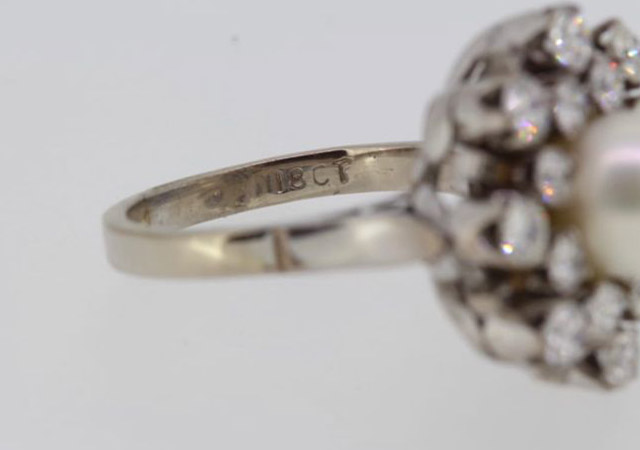 A 7.5MM AKPOYA PEARL AND 1.30CT DIAMOND RING, CIRCA 1970. (size J, G/I colour) - Image 5 of 5