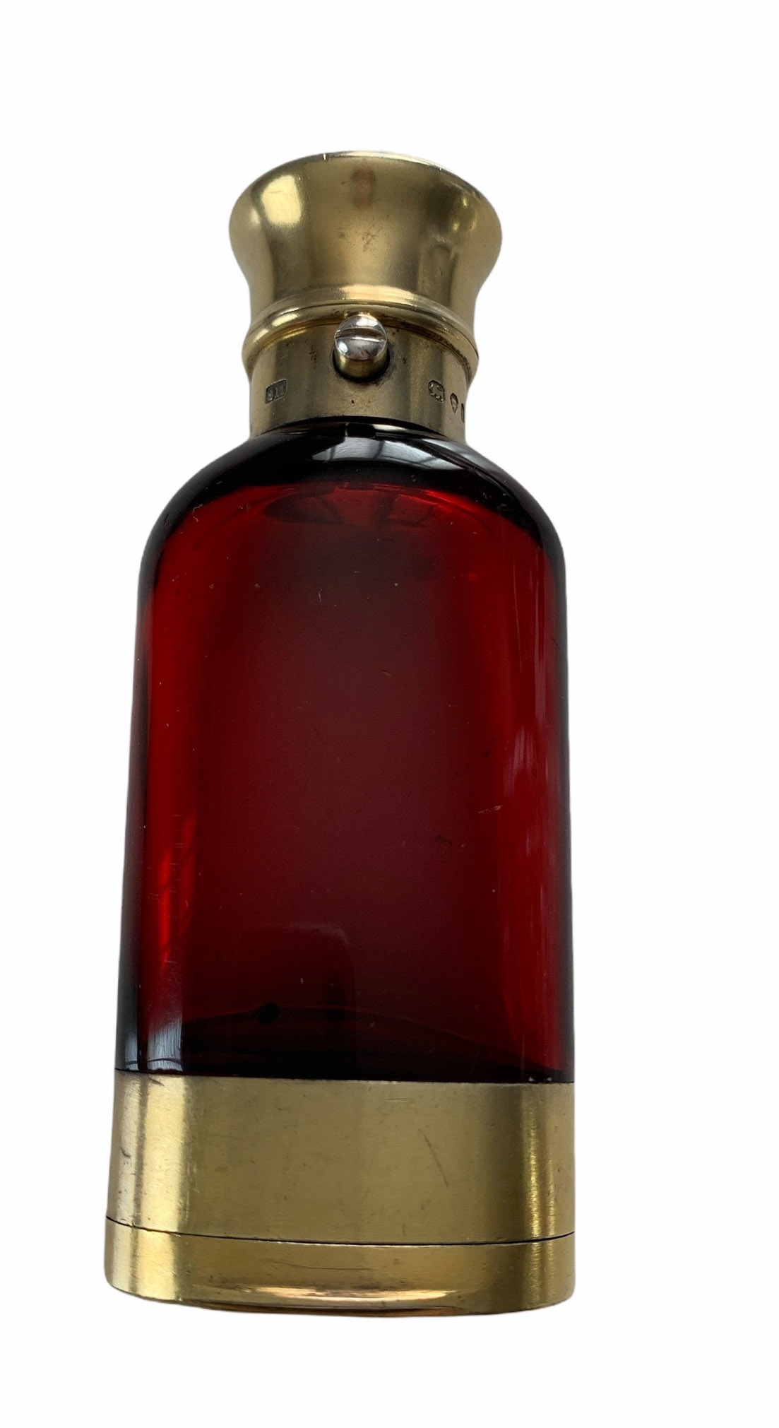 SAMPSON MORDAN & CO., LONDON, 1866, A VERY FINE QUALITY VICTORIAN SILVER GILT MOUNTED RUBY RED GLASS