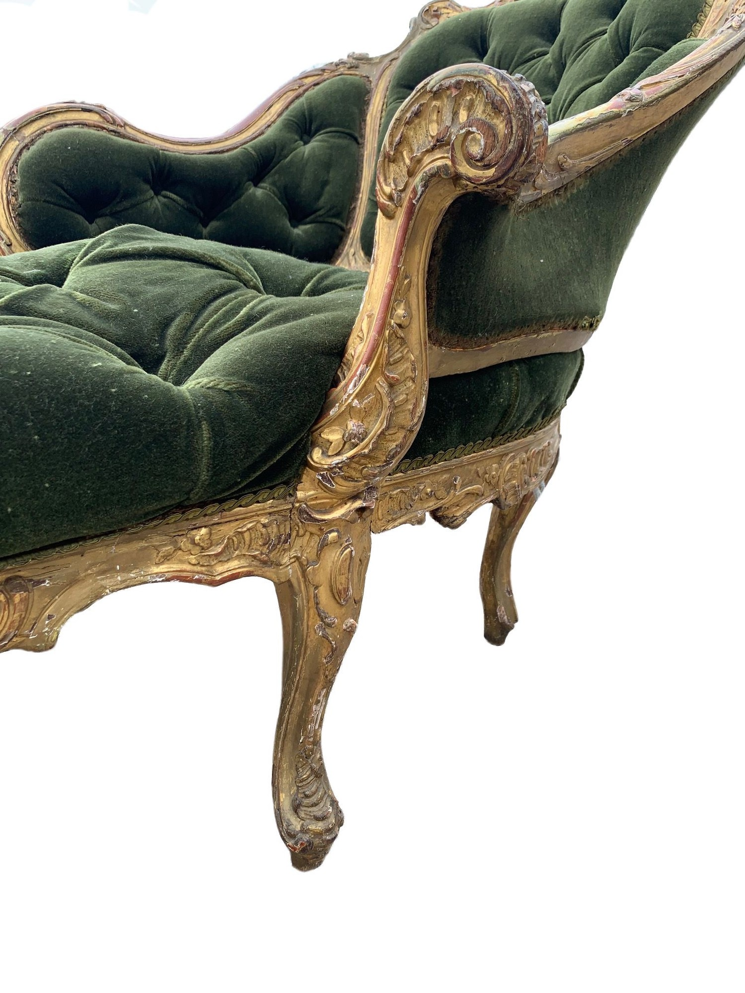 AN 18TH CENTURY FRENCH LOUIS XV ROCOCO CARVED GILTWOOD DUCHESSE DAYBED With button upholstery, frame - Image 5 of 8