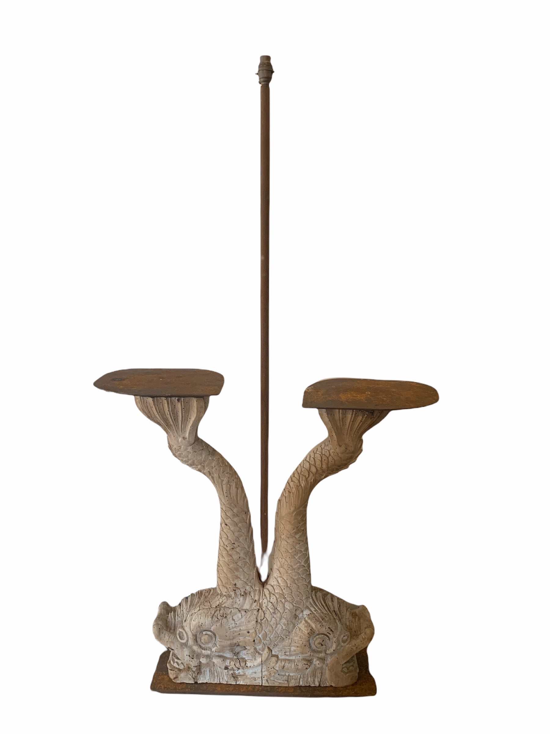A DECORATIVE 19TH CENTURY & LATER CARVED WOOD OCCASIONAL LAMP TABLE FORMED AS TWO DIVING
