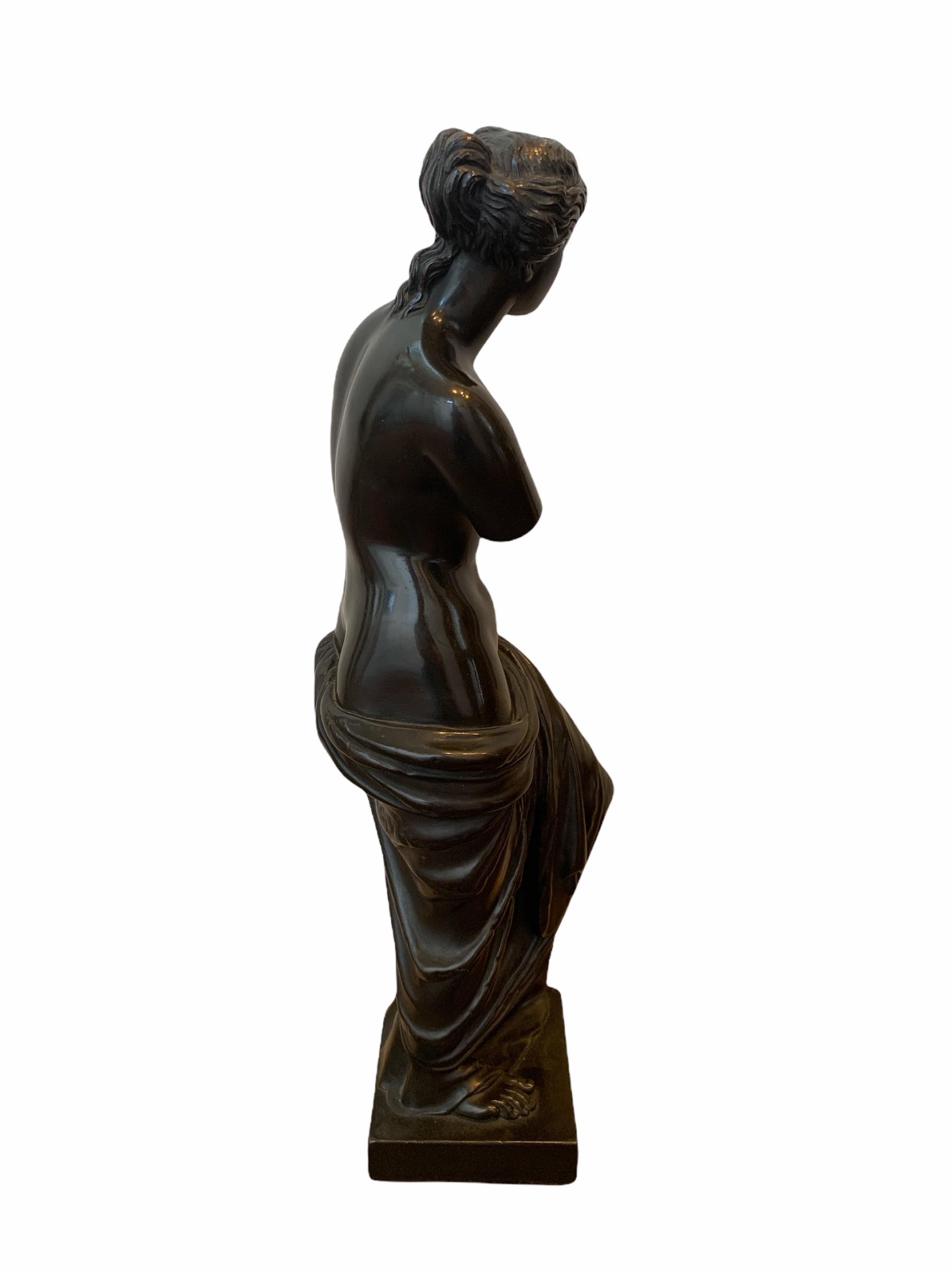 A 19TH CENTURY BRONZE CLAD STATUE OF A NEOCLASSICAL SEMINUDE FEMALE. (h 48cm x d 10.5cm x w 13cm) - Image 4 of 4