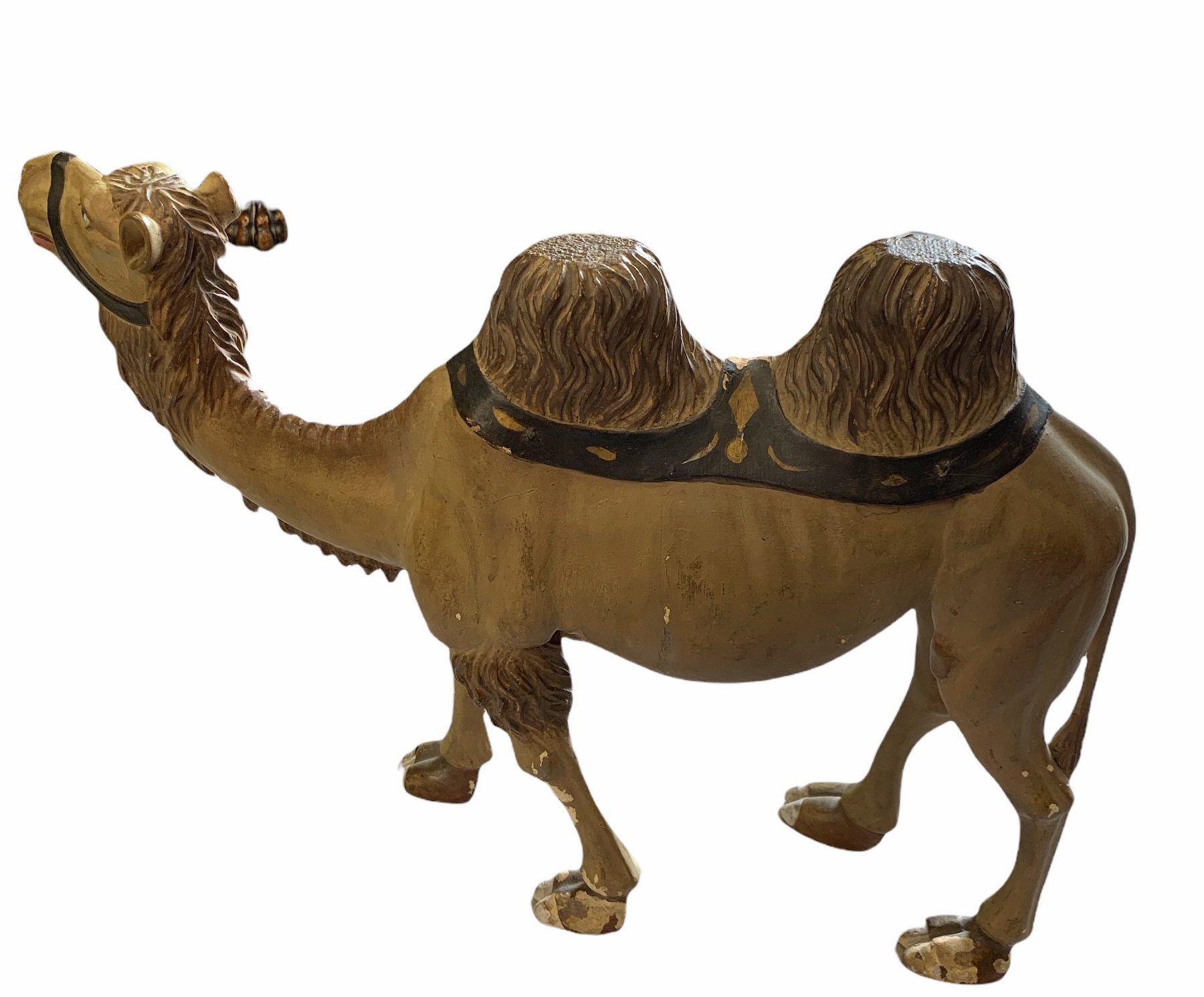 AN EARLY 20TH CENTURY CARVED WOOD AND PAINTED HUMPBACK CAMEL. (h 41cm x w 56cm) - Image 3 of 3