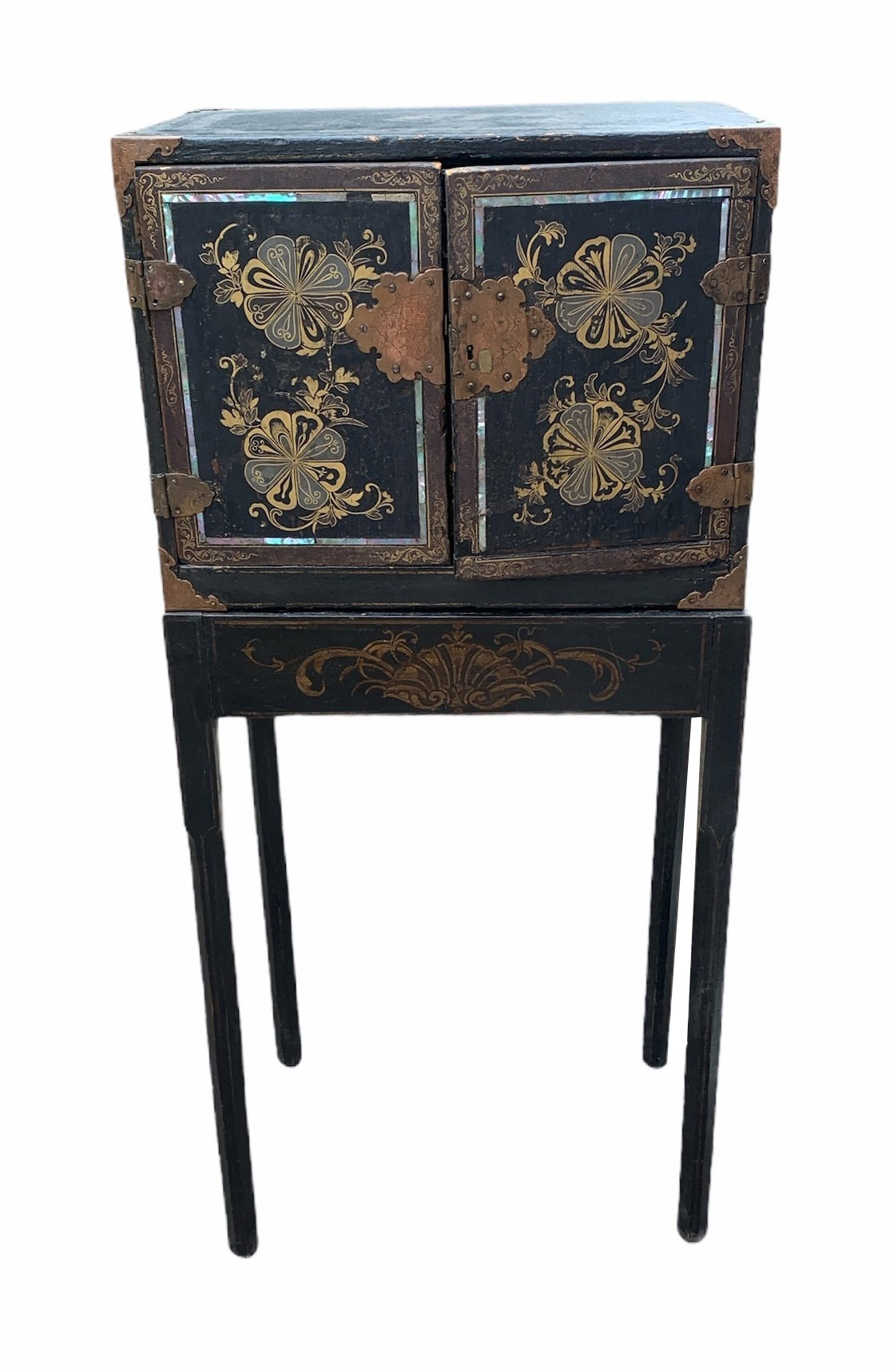 A PORTABLE INLAID EXPORT LACQUER NANBAN CABINET ON STAND Momoyama period (1573-1615) late 16th/early