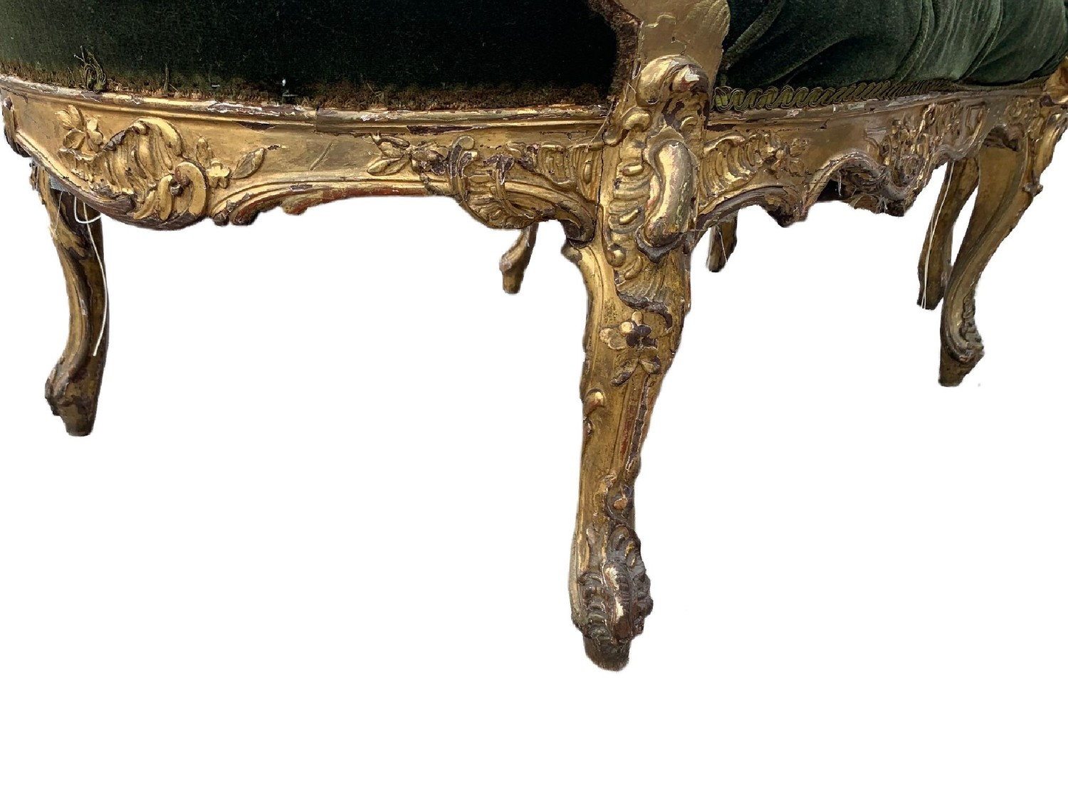 AN 18TH CENTURY FRENCH LOUIS XV ROCOCO CARVED GILTWOOD DUCHESSE DAYBED With button upholstery, frame - Image 7 of 8
