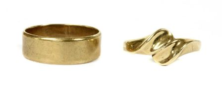 A 9ct gold flat section wedding ring,