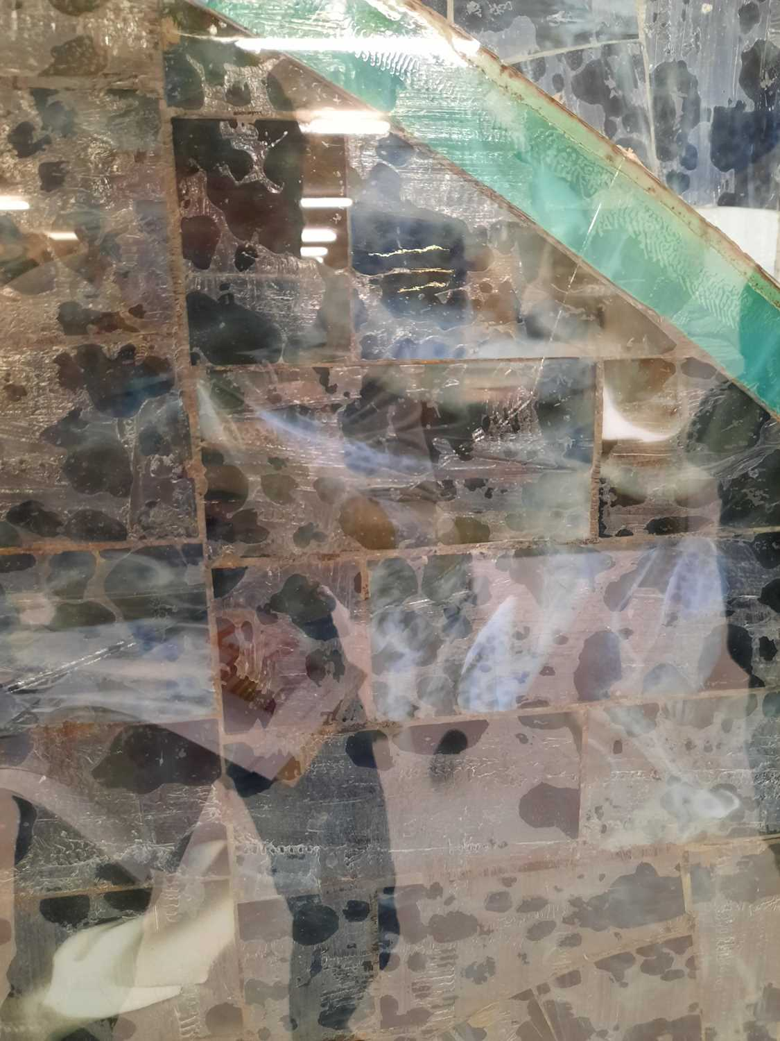 A pair of contemporary glass panels, - Image 4 of 5