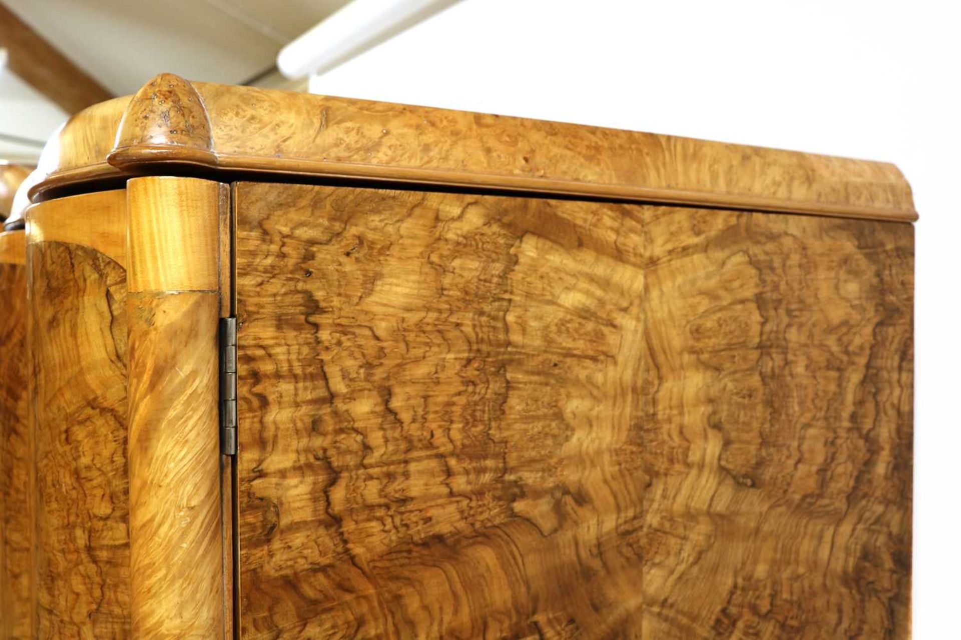 An Art Deco burr walnut and maple bedroom suite, - Image 31 of 45