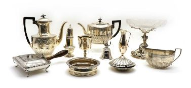 A quantity lot of silver plated items,