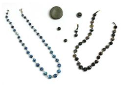 A graduated banded agate bead necklace,