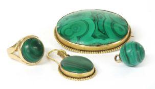 A Victorian gold malachite brooch,