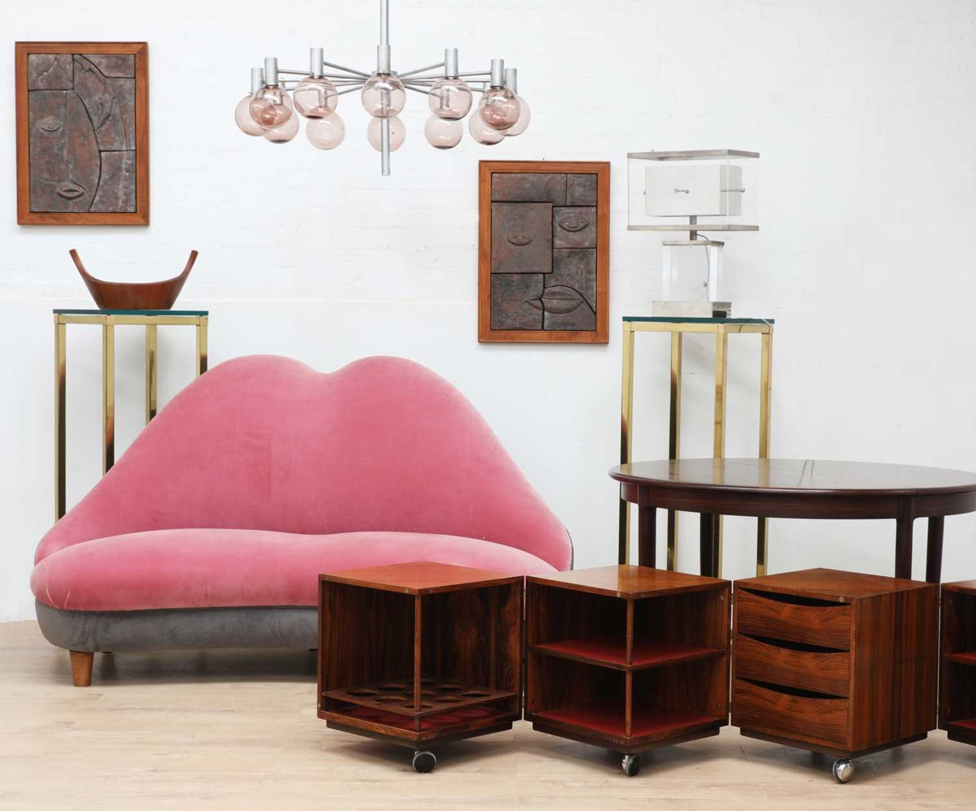 An Italian 'lips' shaped sofa,