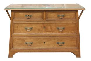 An Arts and Crafts oak chest and washstand,