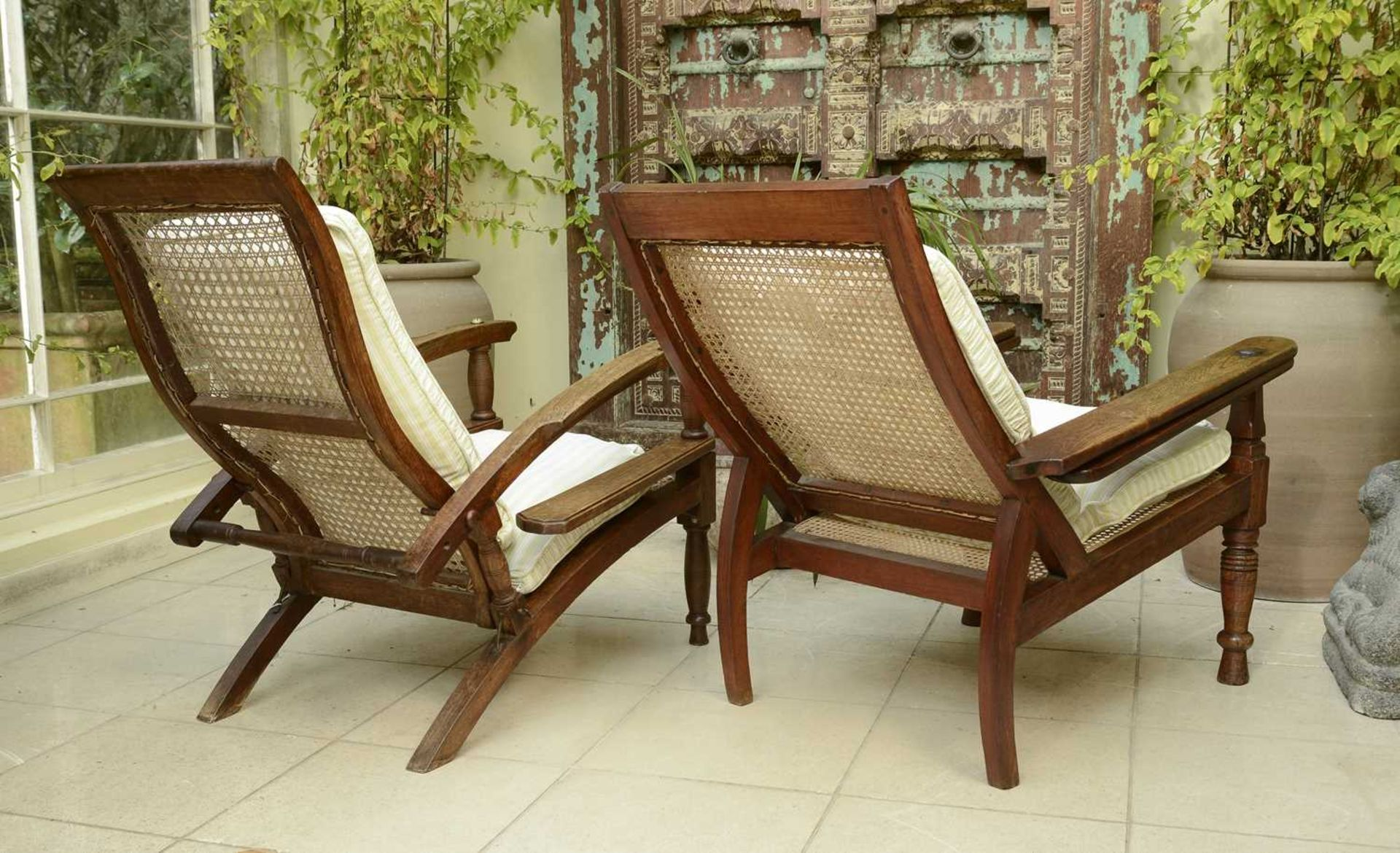 Two similar teak planter's chairs, - Image 3 of 4