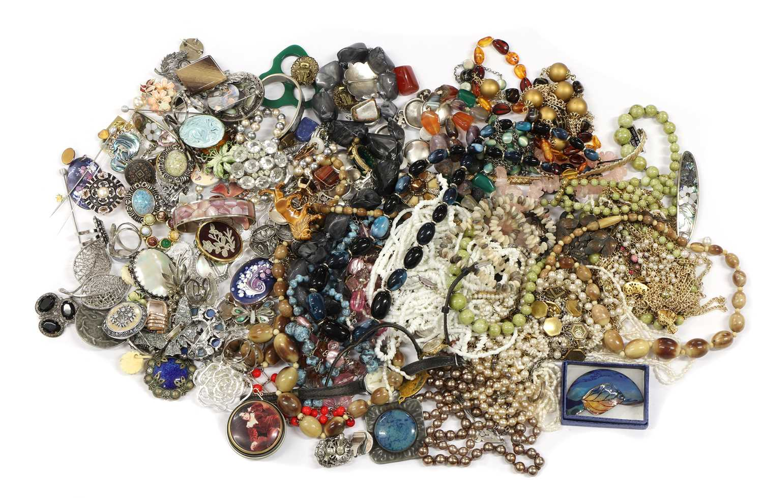 A quantity of costume jewellery, - Image 2 of 2