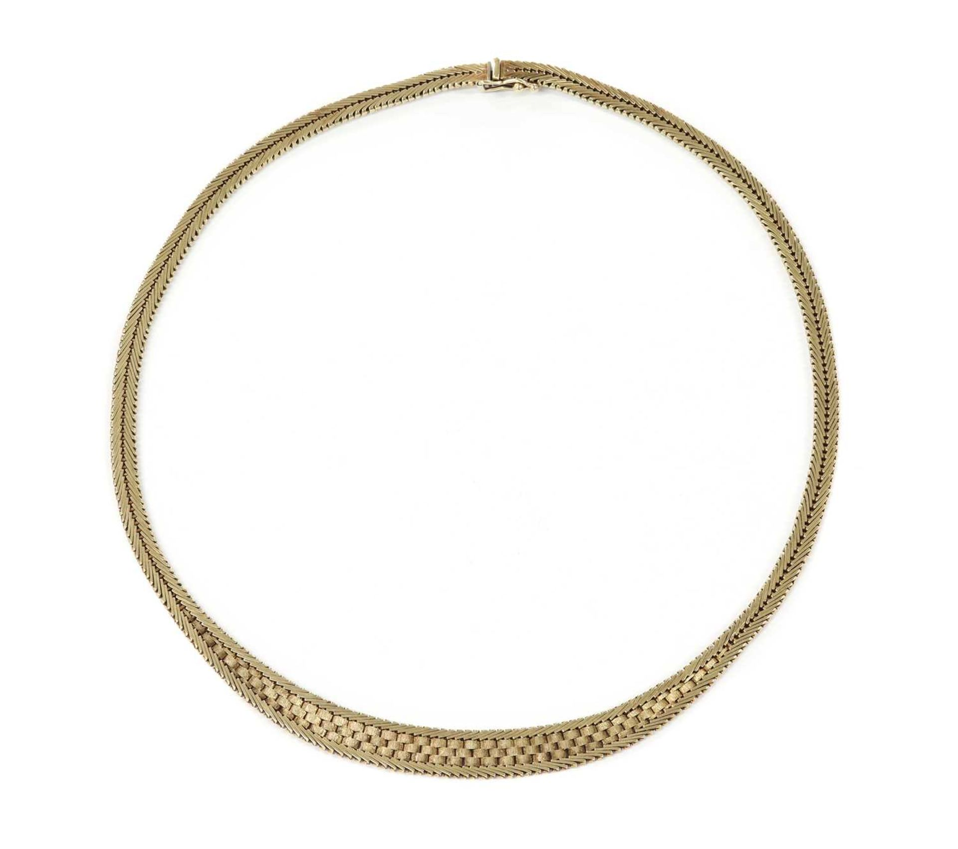A 9ct gold necklace,