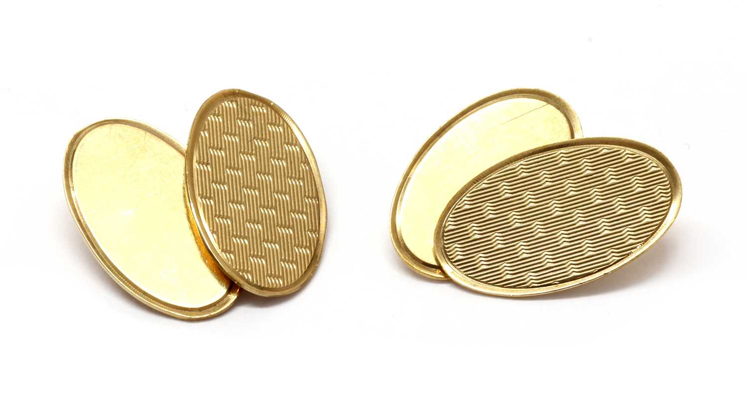 A pair of cased 9ct gold chain link cufflinks,