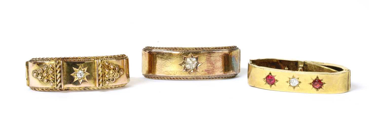 An Edwardian 15ct gold diamond scarf ring,