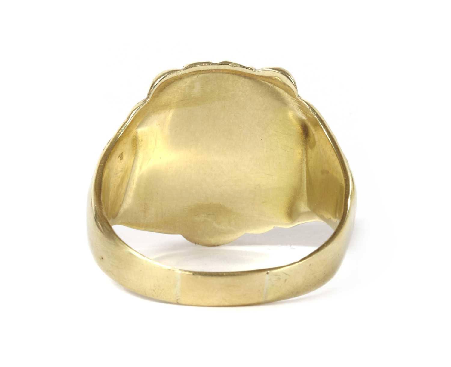 A gold lion head ring, - Image 3 of 3