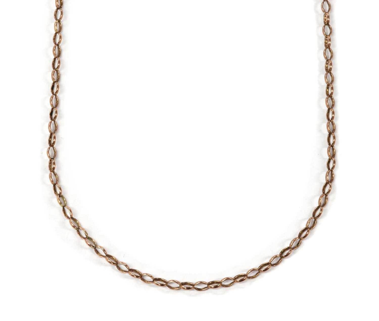 A gold oval belcher link chain,
