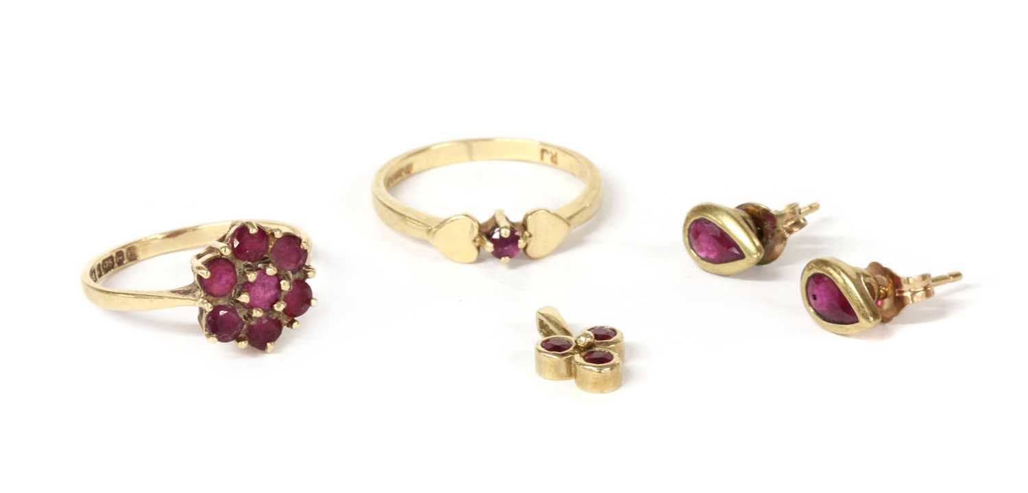 A quantity of gold ruby set jewellery,
