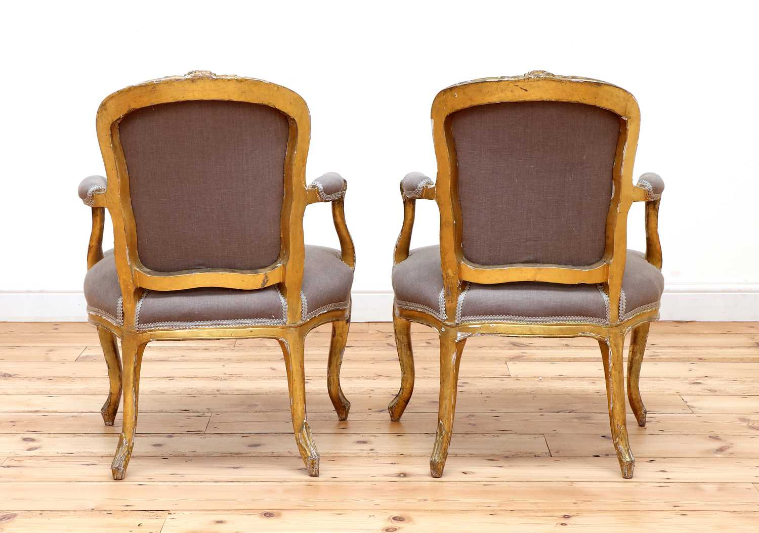A pair of gilt-framed Louis XV-style armchairs, - Image 5 of 8