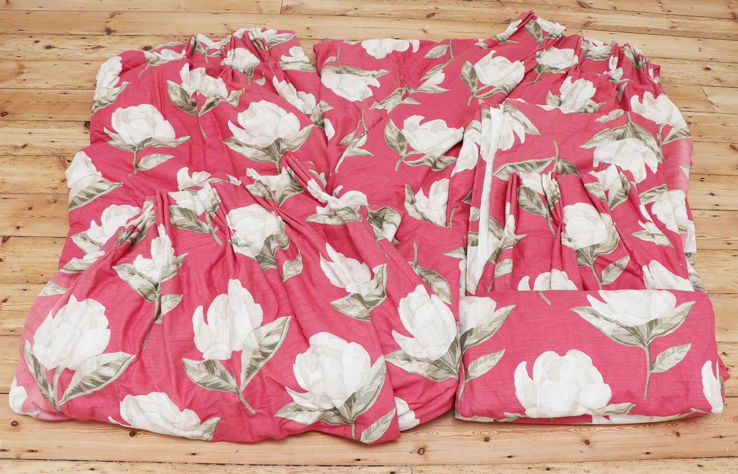 A pair of pink floral interlined curtains, - Image 2 of 4