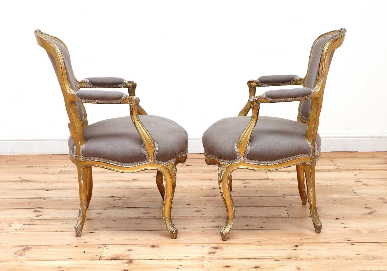 A pair of gilt-framed Louis XV-style armchairs, - Image 4 of 8