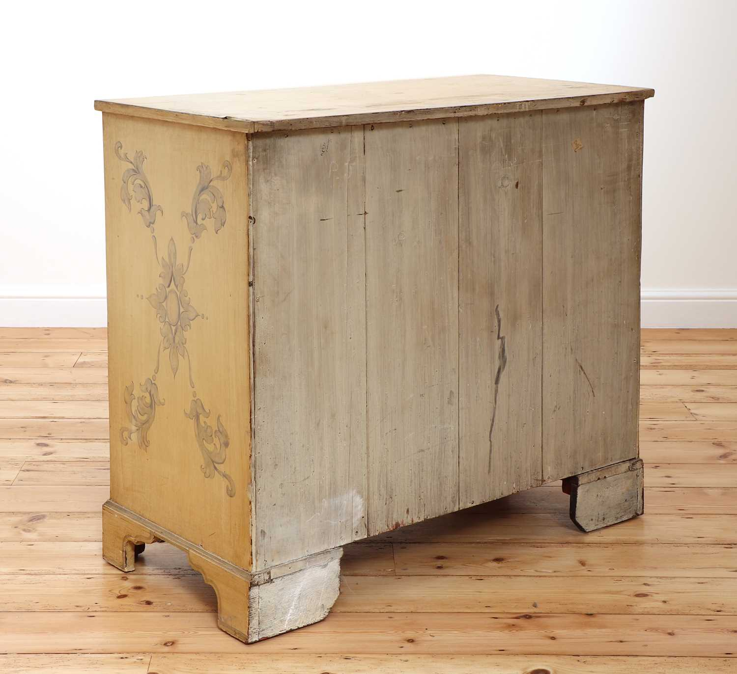 A painted chest of drawers, - Image 4 of 6