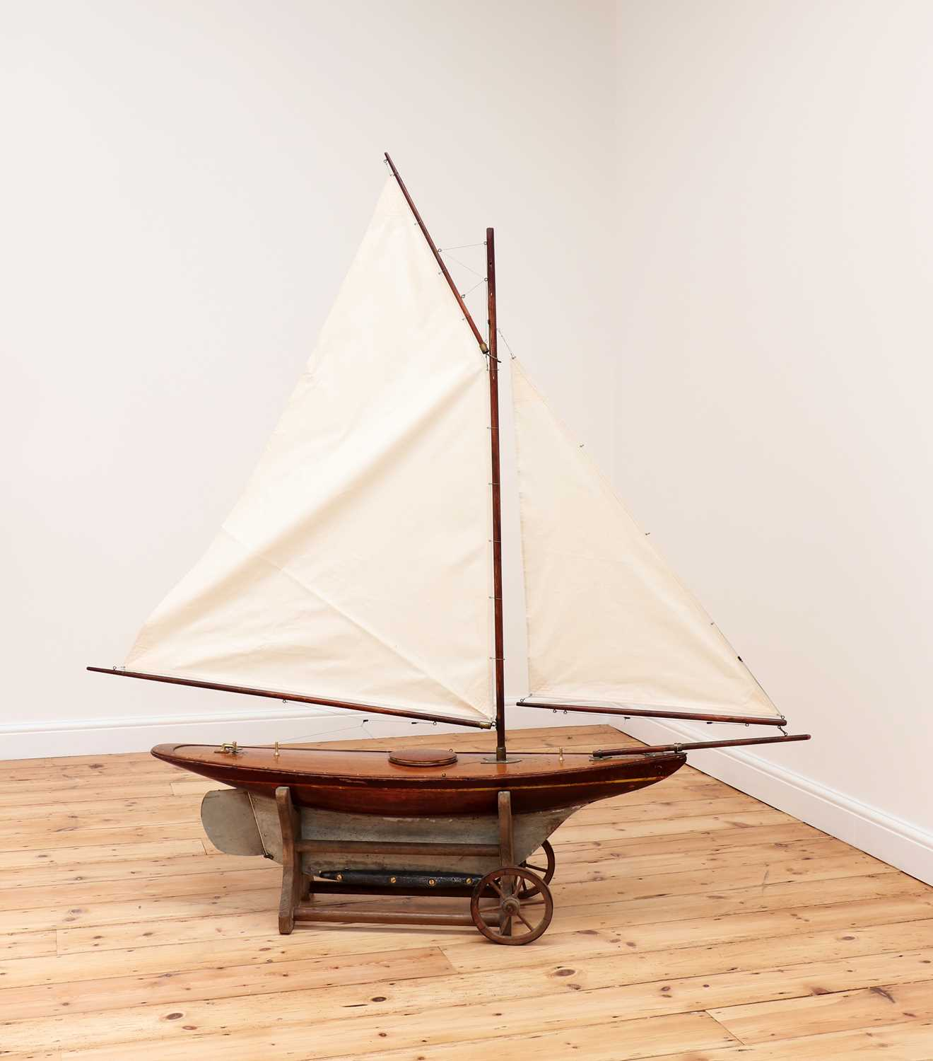 A large rigged pond yacht, - Image 2 of 6