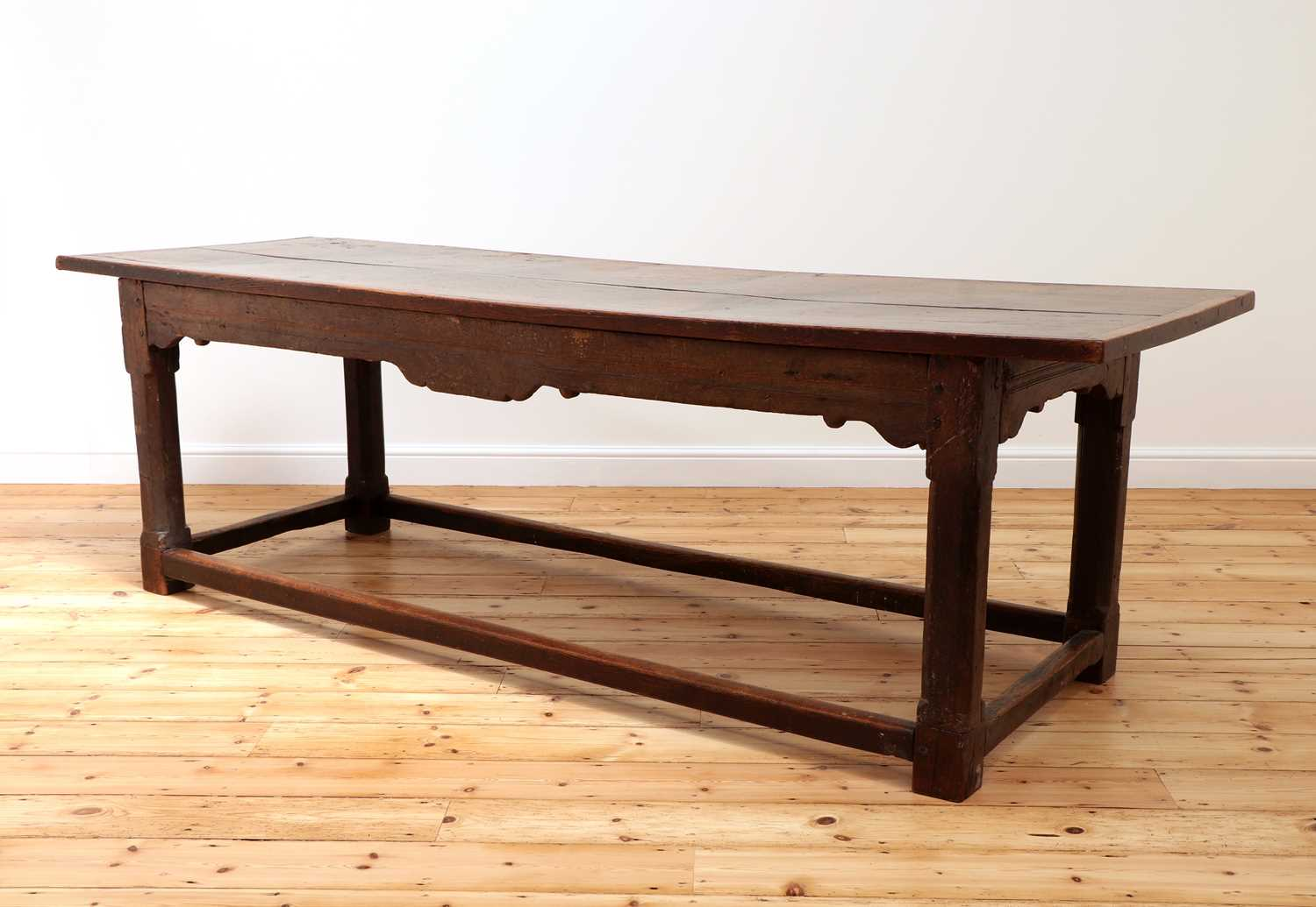 An oak refectory table, - Image 2 of 8