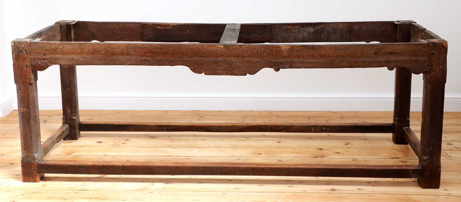 An oak refectory table, - Image 5 of 8