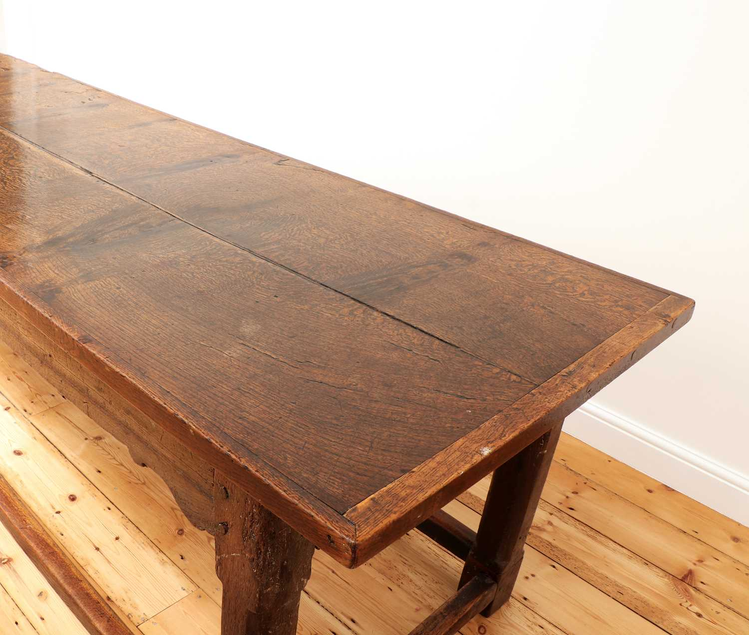 An oak refectory table, - Image 3 of 8