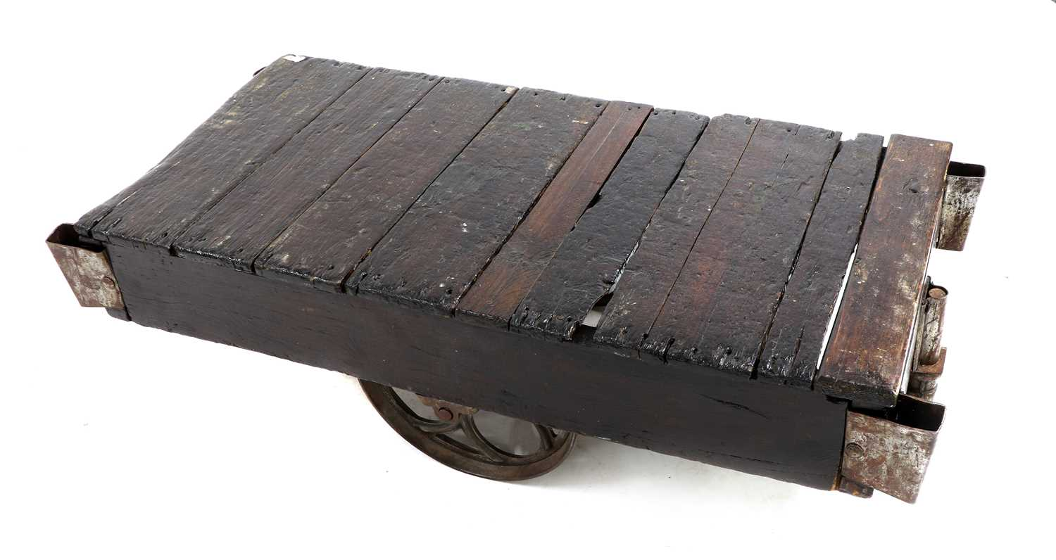 An industrial low coffee table, - Image 3 of 3