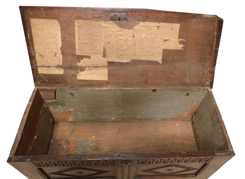 An oak coffer, - Image 5 of 6