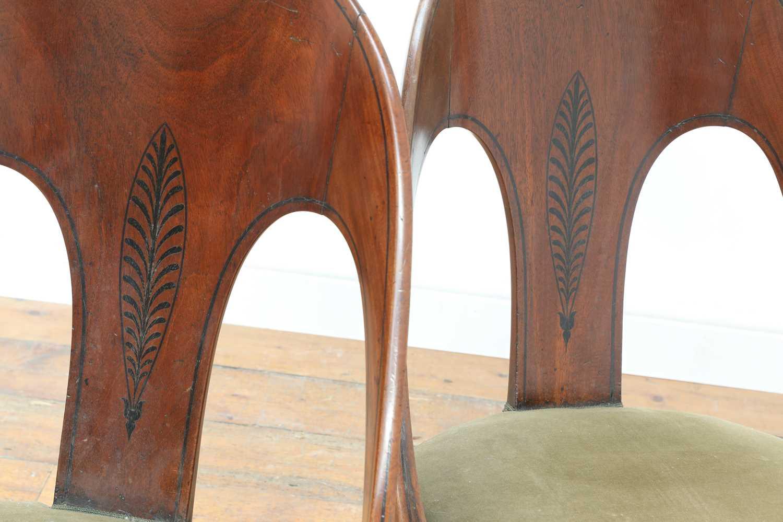 A pair of Regency mahogany klismos chairs, - Image 5 of 67