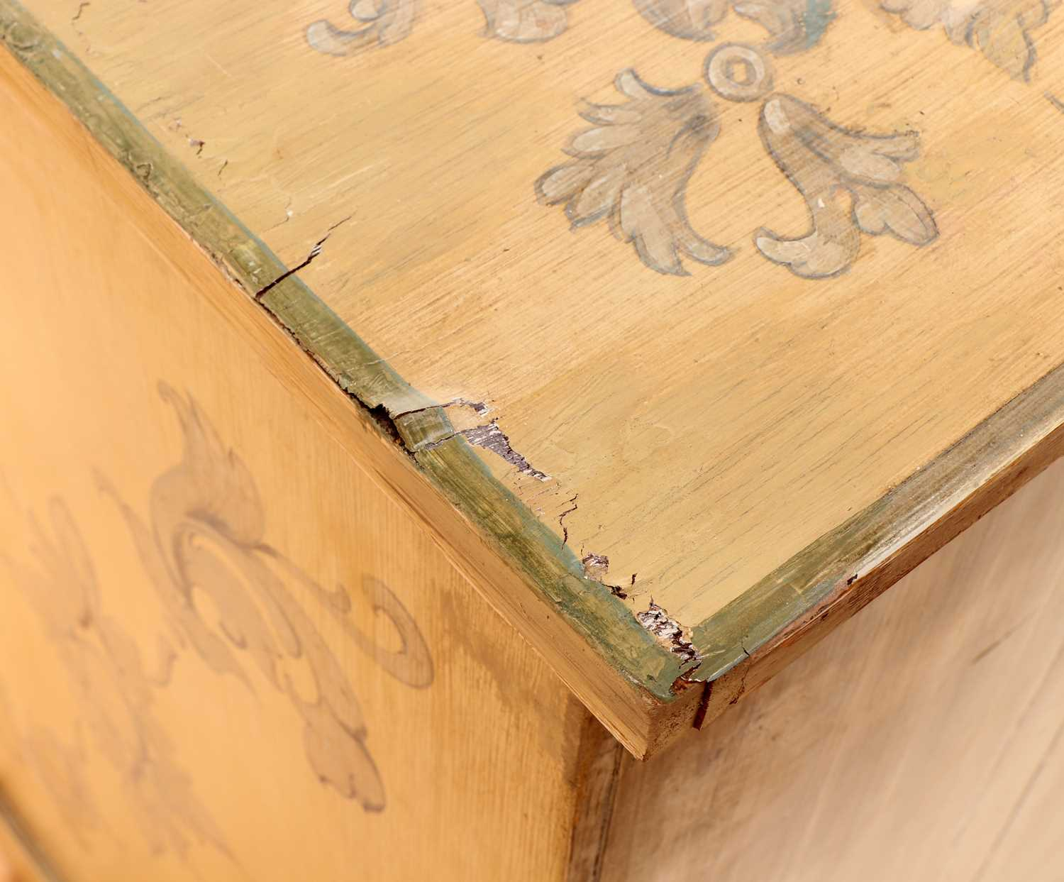 A painted chest of drawers, - Image 6 of 6
