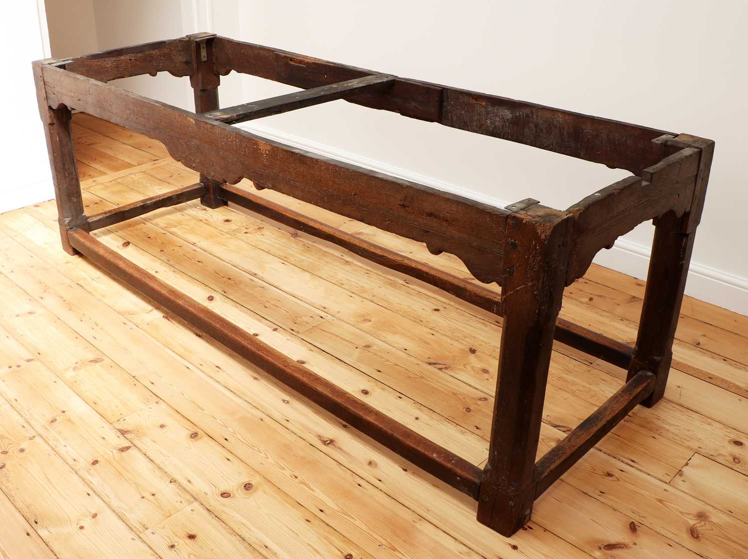 An oak refectory table, - Image 6 of 8